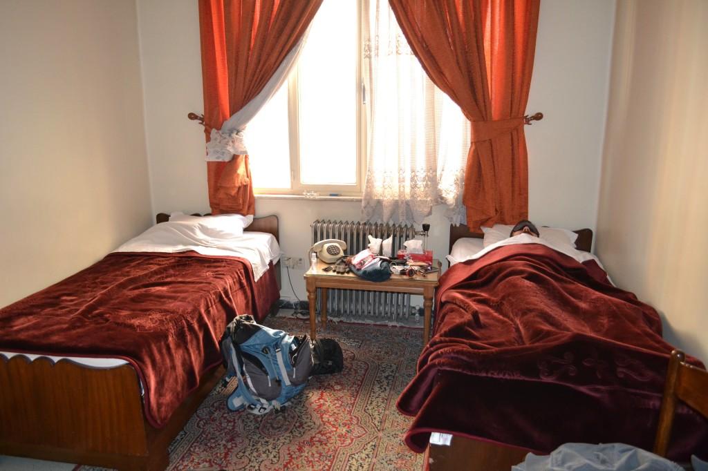 Firouzeh Hotel