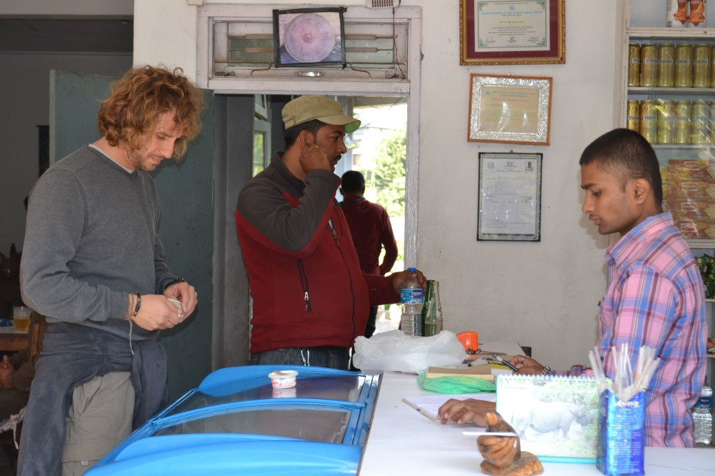 1 wallylalli in nepal bus da kathmandu a pokhara - Non vado in bagno ...