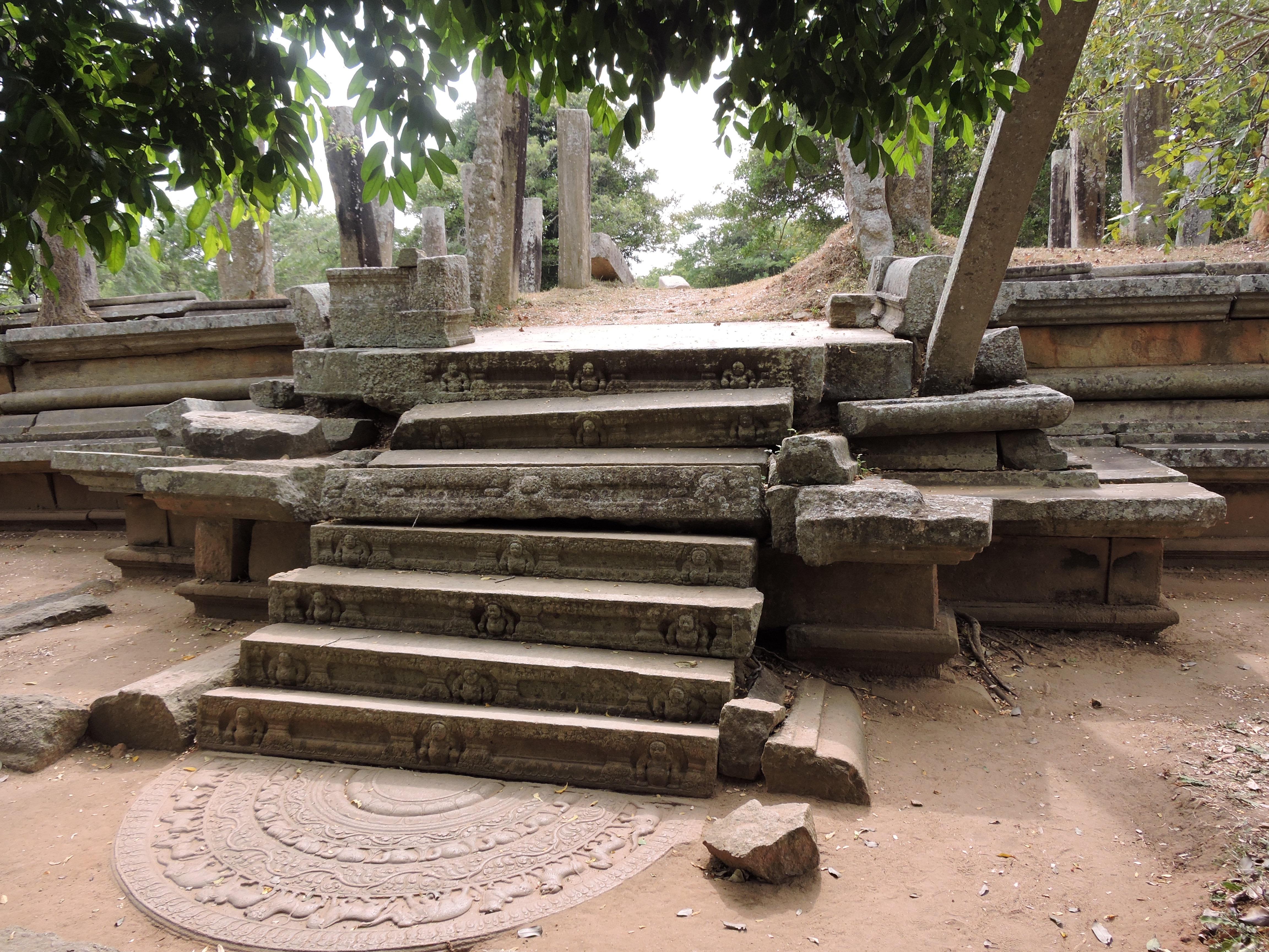 Sri lanka 6 la citt sacra di anuradhapura cosa vedere for Planimetrie di 2000 piedi quadrati una storia