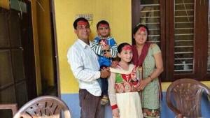 Raj con la sua famiglia