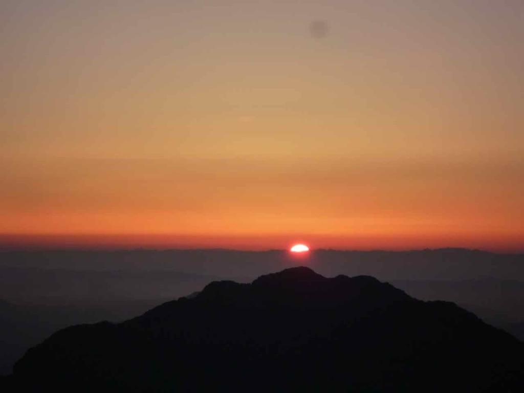 L'alba vista dalla cima del Sinai