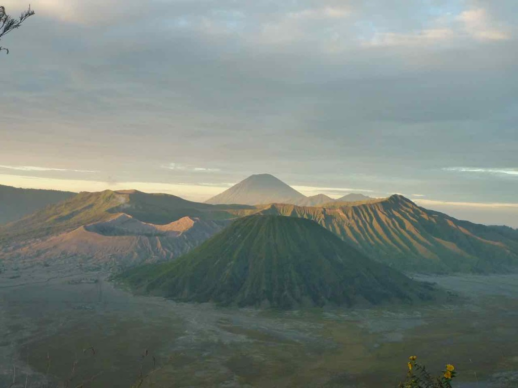 L'alba vista dalla cima del vulcano Bromo