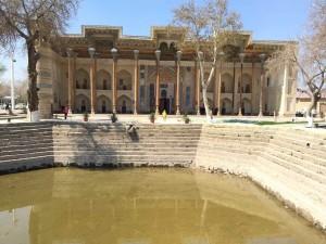 Una delle tante vasche di Bukhara ormai prosciugate