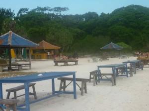 Uno dei tanti locali sulle spiagge delle isole Gili