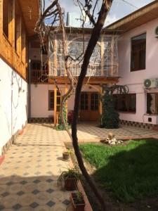 Samarcanda Guest House - Il cortile del B&B Jahongir