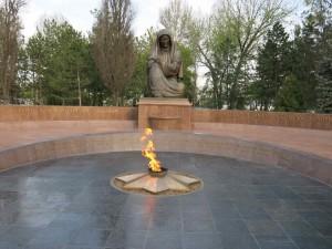 Tashkent cosa vedere - Monumento alla madre piangente
