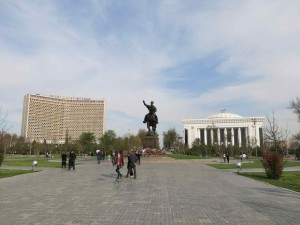 Tashkent cosa vedere - Piazza Tamerlano