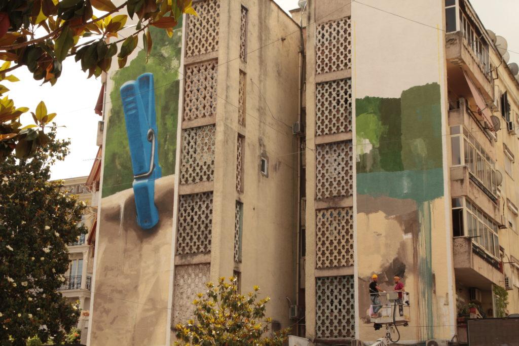 Alcuni dei palazzi residenziali di Tirana
